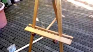 Art Show Partitioning Easel Assembly