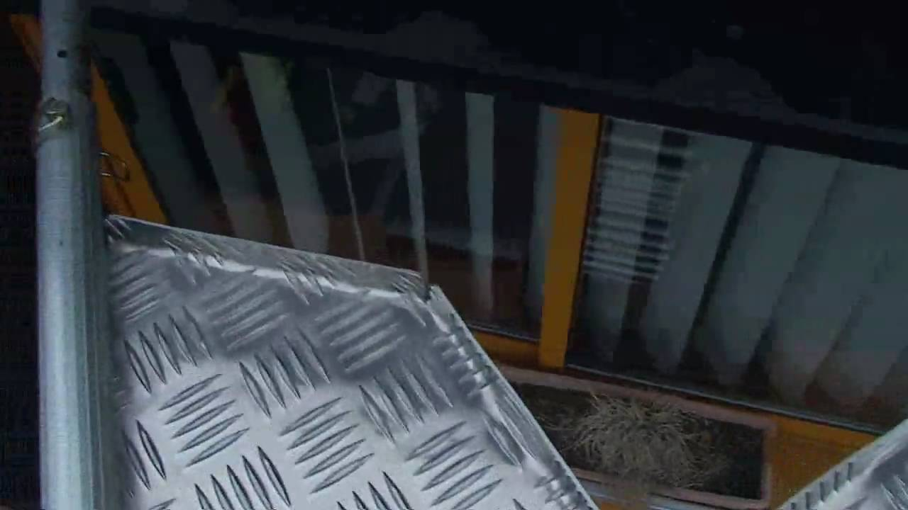 Ecarteur de toit f nix en place sur une chelle pour - Fabriquer une echelle en bois ...