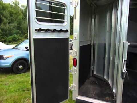 copie de magnifique remorque exiss 2002 2 chevaux slant load vendre youtube. Black Bedroom Furniture Sets. Home Design Ideas