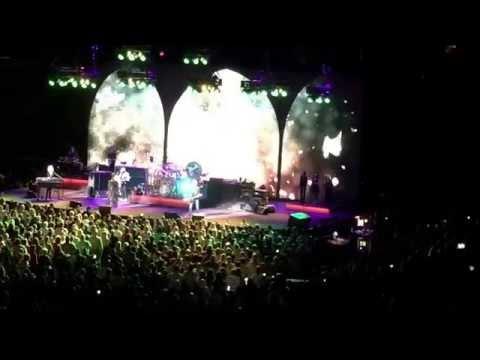 """Rhiannon"" Fleetwood Mac Chesapeake Energy Arena OKC 4/17/15"