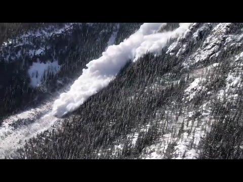 Colorado officials say avalanche dangers continue