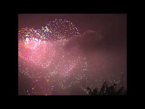 4th-of-july-fireworks-2001-new-york-city-usa-brooklyn-greenpoint