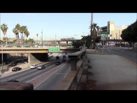 Los Angeles Metro Rail Crosses Santa Ana Freeway 03/May/2014ロサンゼルスのメトロ・レール