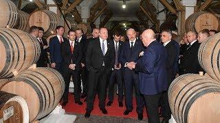 Лукашенко посетил коньячный завод в Тбилиси и продегустировал коньяк 125-летней выдержки