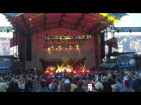 Toto - Hold The Line - Live at FirstMerit Bank Pavilion at Northerly Island