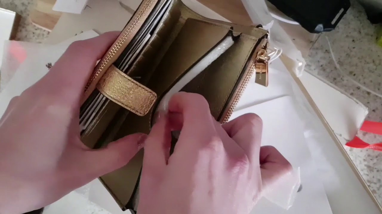 1ae033aac1fc Michael kors Adele Wristlet unboxing from fashionette.co.uk - YouTube