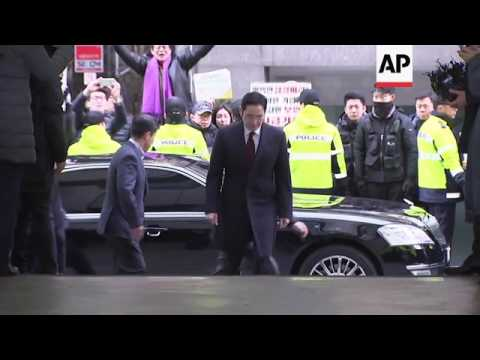 SKorea investigators seek arrest of Samsung heir