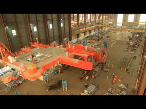 Construction P11E topside