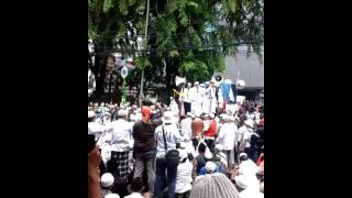 Aksi Damai Di Depan Gedung DPRD DKI