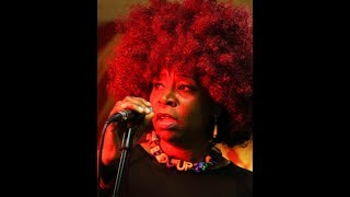 Roxanne Jarrett, Singer