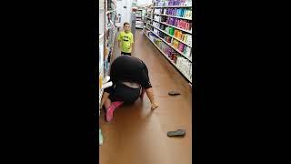 Fight Video ЖЕСТЬ!!!Драка двух женщин в супермаркете!!!