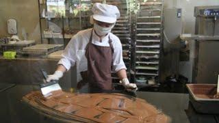 วิธีทำช็อกโกแลตสดๆ ที่ ร้าน The Chocolate Factory (เดอะ ช็อกโกแลต แฟคทอรี่) เขาใหญ่