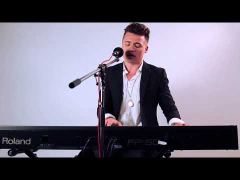 Shawn Hook performs 'Sound of your Heart'