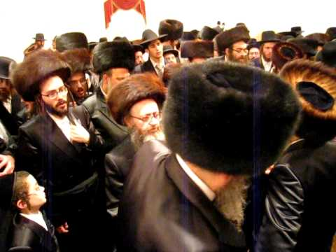 Satmar Rebbe  Dancing Mitzvah Tanz By Rabbi Katz Wedding 11/10/08 3