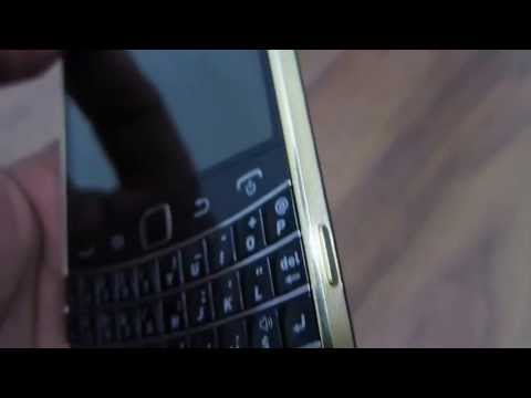 Limited Edition Blackberry Bold 9900 GOLD