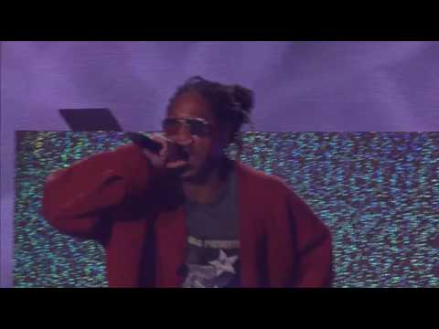 Future perfoming  Low Life at the 2016 MTV Africa Music Awards