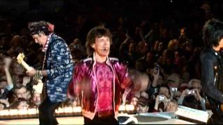 Смотреть музыкальный клип The Rolling Stones - Get Off Of My Cloud (Live) - OFFICIAL