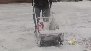 Chicago Digging Out From First Big Snow In 3 Months