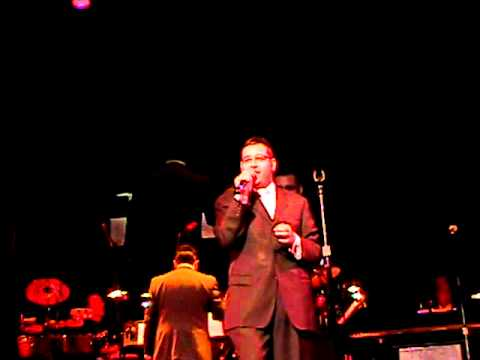 COLlive.com-Dovid Gabay sings Eretz Yisroel Chol Hamoed Sukkos 2010