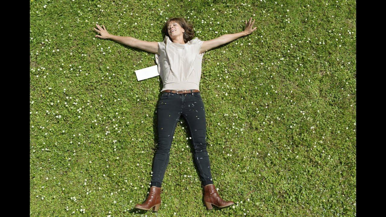 Auf Der Anderen Seite Ist Das Gras Viel Grüner Trailer