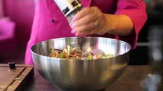 Syksyinen kanasalaatti - näin resepti syntyy
