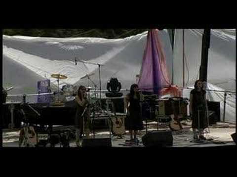 Wailin' Jennys - Long Time Traveller (Live @Pickathon 2006)
