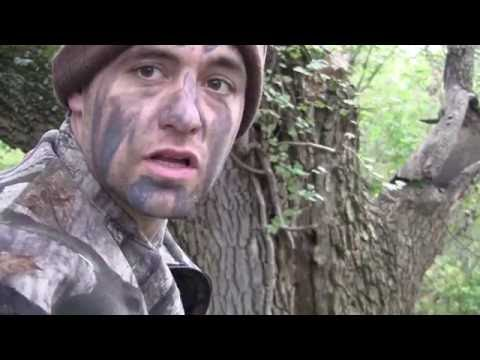 Whitetail Deer Bow Hunt 2014 - Toxic broadhead - 3rd doe with the same head wound hole kill