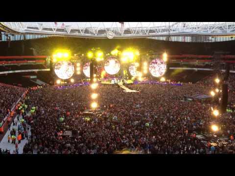Yellow Coldplay Live Emirates Stadium London 2012