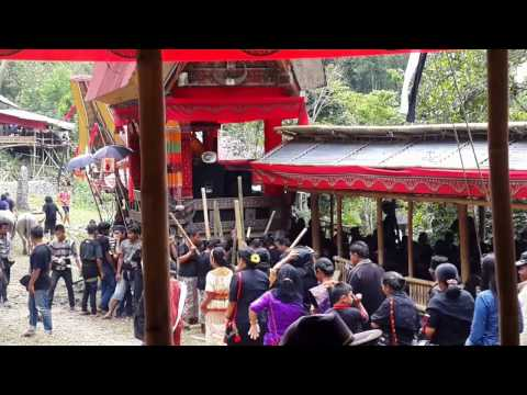 Welcoming the guests in funeral ceremony, Toraja