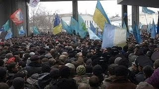 Crimean tensions spill over into clashes between Crimean Tatars and pro-Russian supporters