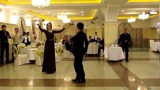 Лезгинка  красивая девушка танцует лезгинку