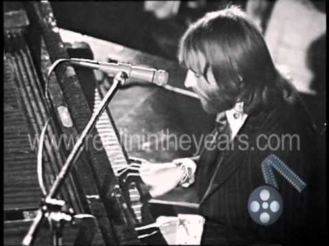 "BeeGees- ""Lonely Days"" Live with full orchestra 1971 (Reelin' In The Years Archives)"