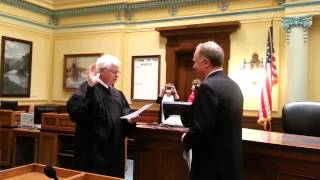 Dave Kinskey sworn in to the Wyoming Senate