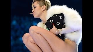 "Video Miley Cyrus' Smoking Hot EMA's | Strips Down For ""Bangerz"" Release download MP3, 3GP, MP4, WEBM, AVI, FLV Juli 2018"