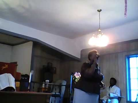 Praise and worship with Gloria Richardson