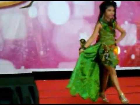 Ecy Fashion Show Anak Gaun Pesta Youtube