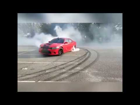 2 Dodge Charger Hellcat head to head Awesome Burnout Insane Cars