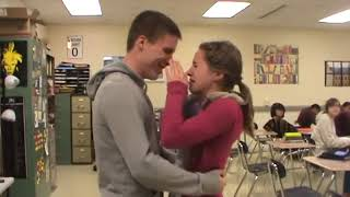 Soldiers coming home Marine proposes to girlfriend
