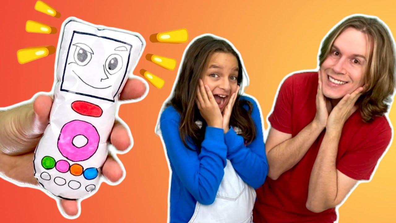 TIO LUCAS E LAILA BRINCAM DE CONTROLE REMOTO MÁGICO ✨  Pretend play with magic remote control toy
