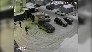 В центре Екатеринбурга обчистили и разгромили кальянную