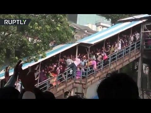 22 человека погибли в давке на железнодорожной станции в Индии