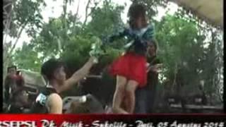 Repeat youtube video Haruskah Berakhir -- Monata Live In Misik 2014