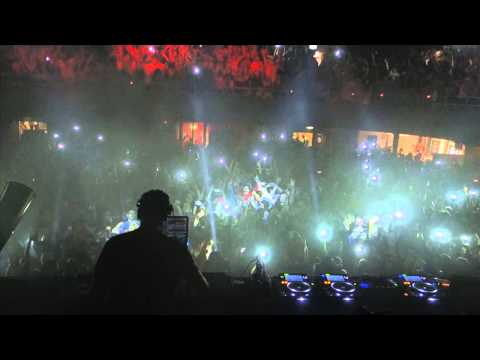 MK playing My Head Is a Jungle at Albert Hall Manchester UK