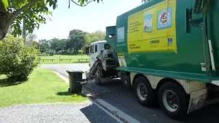 Sita/Brisbane city Easter Monday waste with truck 726