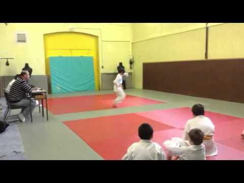 c315862f9714 Karate kata passage de grade ceinture jaune-orange 1 - YouTube