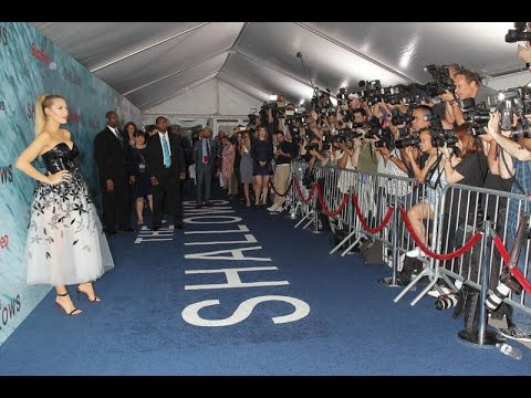 The Shallows Premiere Red Carpet - Blake Lively, Sedona Legge, Oscar Jaenada, Liam Neeson