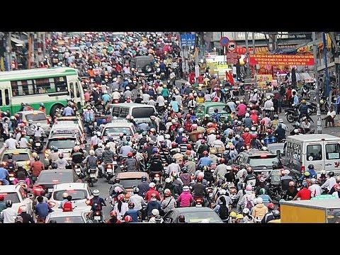Japan helps Vietnam tackle 'traffic war'