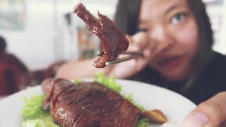 Gambar cover 😋 CHEAP VEGAN FOOD & HOSTING AIRBNB IN KUTA  [VLOG]