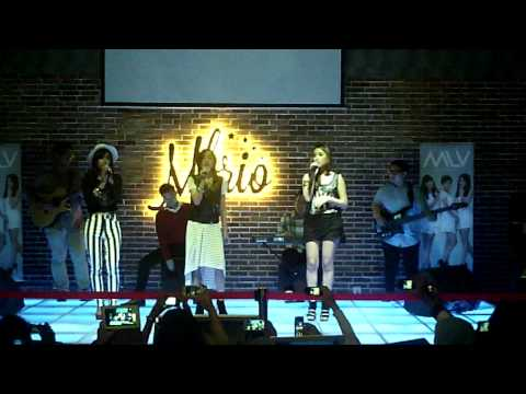Anisa Rahma, Dinda, Tissa perform All Of Me