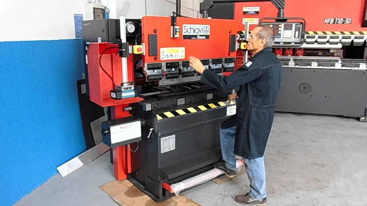 Revisione piegatrice usata schiavi rg2512a cnc 3 assi for Presse idrauliche usate per officina